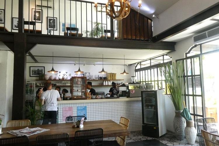 COFFE CARTEL 店内