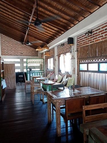 The Koop & Roaster Café 店内