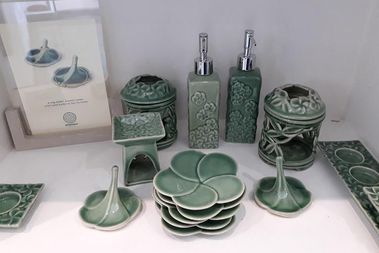 ジェンガラの陶器