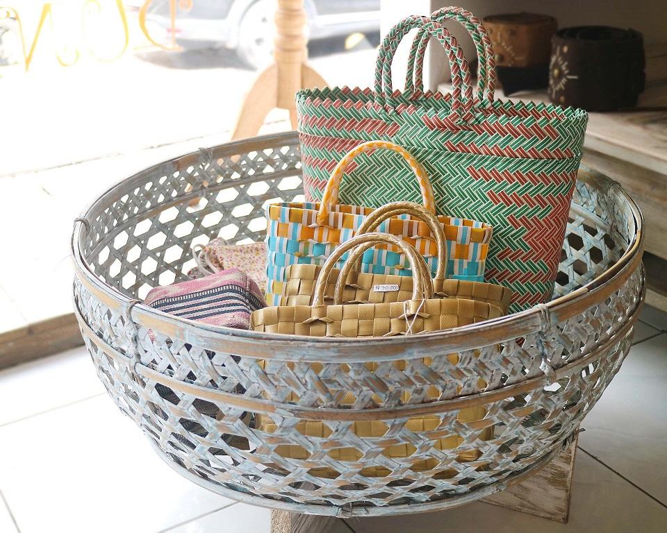 ドゥニア 大人気のパサールバッグ